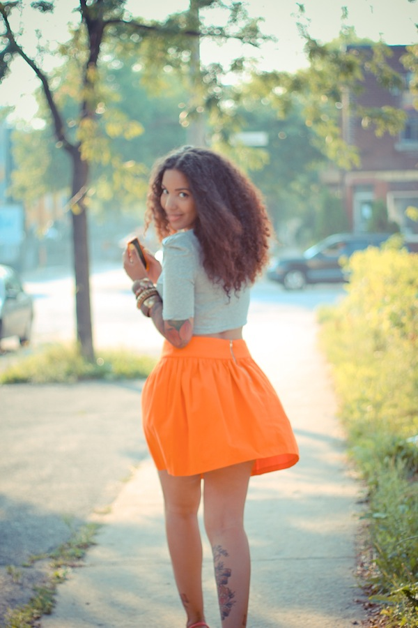 Elodie-Laetitia-Hello-Elo-Fashion-Blog-Mode-Montreal-Canada-Fashion-Blogger-Blogueuse-Mode-France-Tendance-Printemps-Ete-2012-Marc-by-Marc-Jacobs-Jourdan-Dunn-Orange-skirt-Grey-top-Only-Girl-Sportswear-1